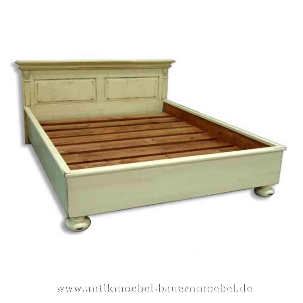 Bett Doppelbett 200x200 Landhausstil Vollholz weiß Shabby Chic Fichte  Bettgestell Bauernmöbel